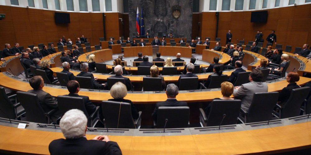 Odprto pismo poslancem DZ o spremembah nove tobačne zakonodaje