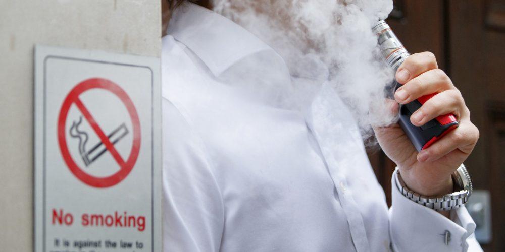 Križarski pohod proti elektronski cigareti je poguben za javno zdravje